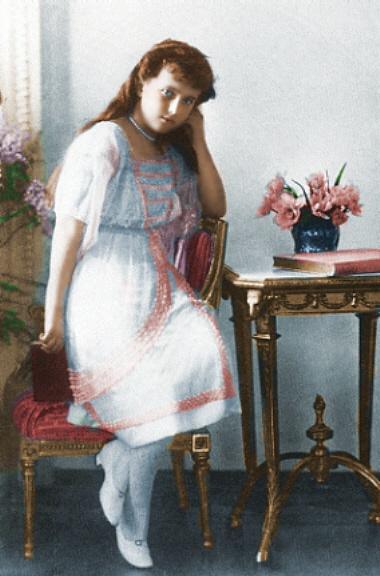 Anastasia-the-romanovs-7240285-380-576.jpg